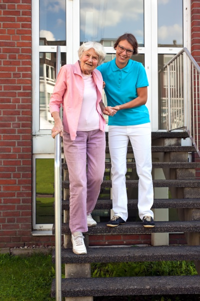 How To Pay For Nursing Home Expenses & Costs In Arizona